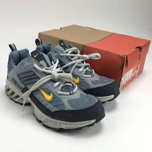 VTG Nike Air Max Assail Grey Running  Womens Sz 10